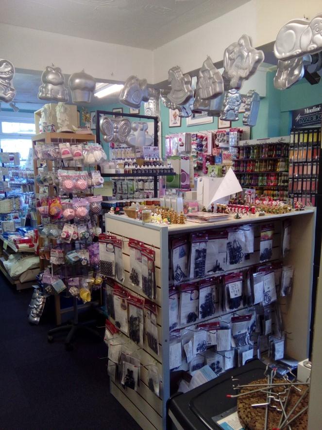 Shop sale interior 003