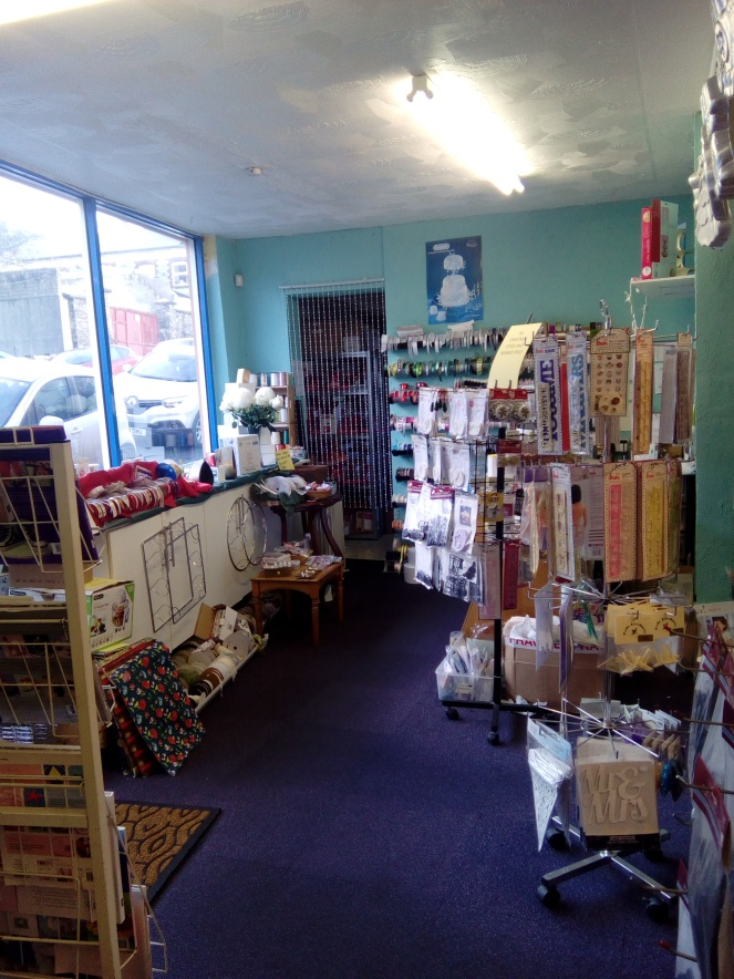 Shop sale interior 005